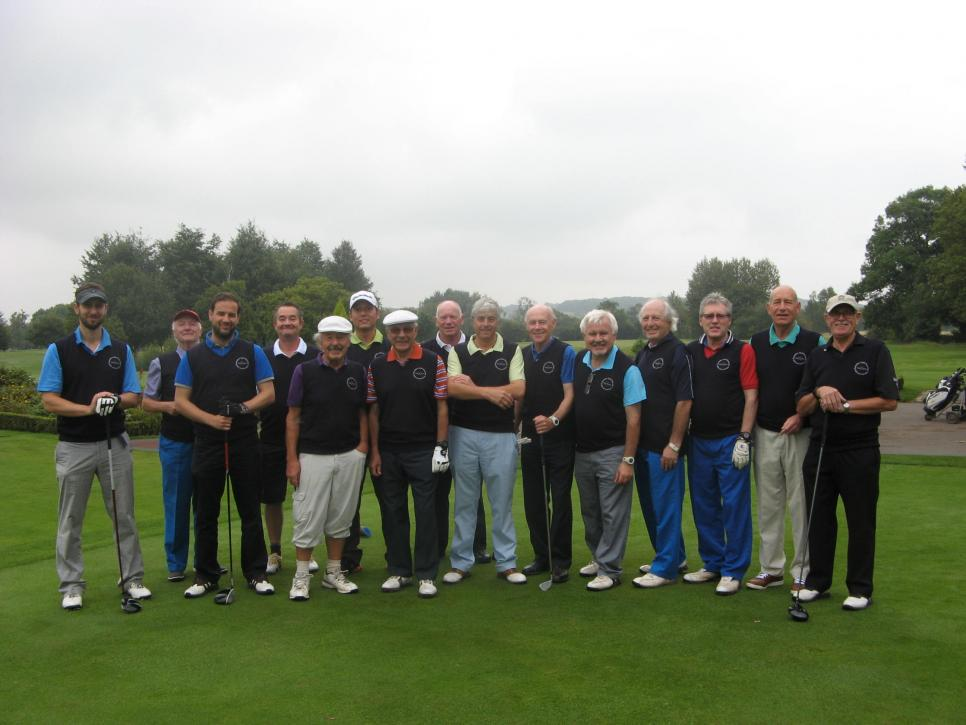 We got a lovely email from Richard Joseph on behalf of The Pounders Golf Society from Radlett Park Golf Club all looking resplendent in their embroidered society jumpers on the 1st tee at Forest of Arden outing. Thanks Richard