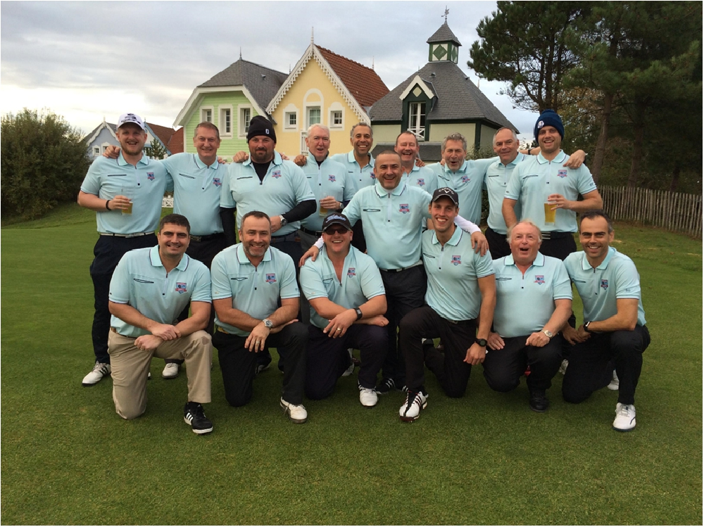 Doug Pedersen kindly released this shot of the Woking Racketz golf tour contingent limbering up at their pre-breakfast photo call at Golfe de Belle Dune, France.